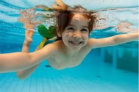 lợi ích của bơi lội cho trẻ em